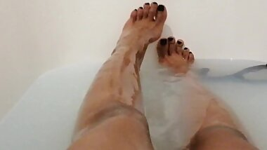 African Teen Sexy Feet and Legs