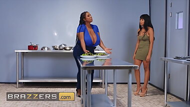 Threesome With Jenna Foxx Julie Cash Maserati - Brazzers