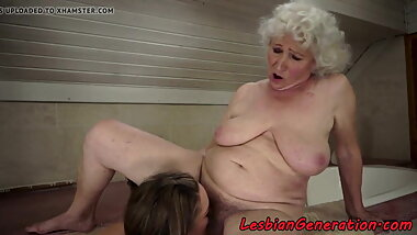 Hugetits granny getting her pussy pleasured
